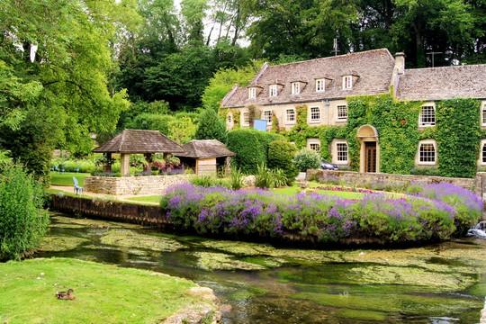 Thăm ngôi làng trên hộ chiếu nước Anh - Ảnh 6.