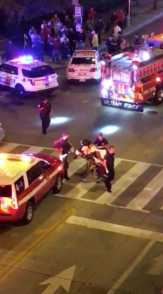 Nổ súng không xa Nhà Trắng, cảnh sát có mặt dày đặc - Ảnh 3.