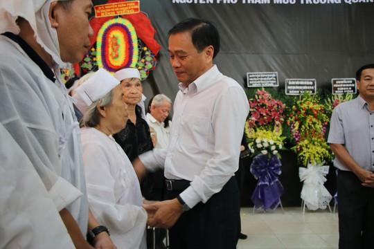 Nghẹn ngào tiễn Đại tá phi công Nguyễn Văn Bảy về với đất mẹ Lai Vung - Ảnh 5.