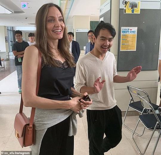 Angelina Jolie duyên dáng bên Pax Thiên, Zahara, Shiloh - Ảnh 6.