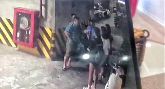 Điều tra vụ người đàn ông bị tố sàm sỡ, hành hung cô gái trong tầng hầm toà nhà Mipec Long Biên - Ảnh 3.