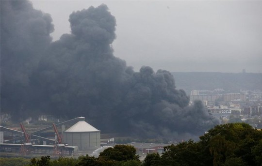 Trung Quốc: Cháy nhà máy trước Lễ Quốc khánh, 19 người thiệt mạng - Ảnh 1.