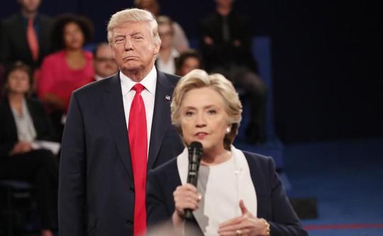 Bà Clinton: Tổng thống Donald Trump bị ám ảnh về tôi - Ảnh 2.