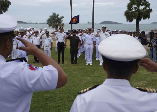 Những hình ảnh ban đầu về diễn tập hải quân Mỹ-ASEAN - Ảnh 3.