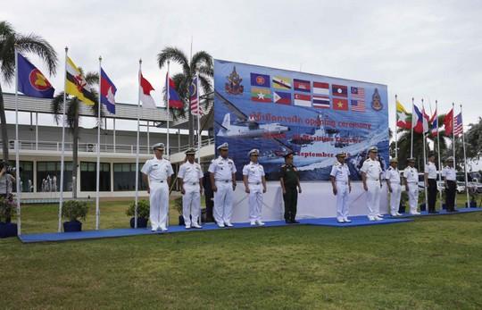 Những hình ảnh ban đầu về diễn tập hải quân Mỹ-ASEAN - Ảnh 1.