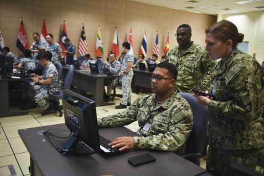 Những hình ảnh ban đầu về diễn tập hải quân Mỹ-ASEAN - Ảnh 6.