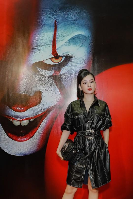 """Chi Pu, Han Sara đọ sắc trên thảm đỏ phim """"IT 2"""" - Ảnh 1."""