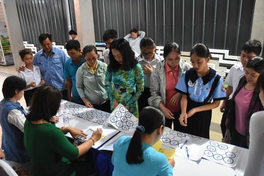 """Chương trình """"Học bổng Báo Người Lao Động"""": Sẻ chia ấm áp - Ảnh 13."""