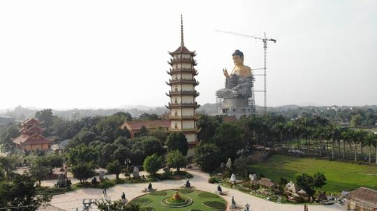 Cận cảnh tượng phật A Di Đà lớn nhất Đông Nam Á đang hoàn thiện ở Hà Nội - Ảnh 2.