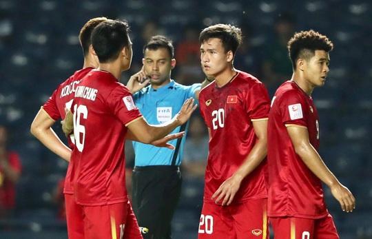 Báo chí châu Á cho rằng U23 Việt Nam thoát thua nhờ VAR - Ảnh 1.