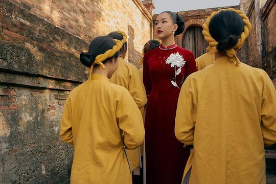 Nghệ sĩ Việt đua nhau khoe sắc trong loạt ảnh Tết - Ảnh 15.