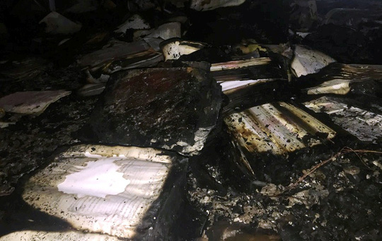 Hiện trường vụ cháy tòa nhà dầu khí Thanh Hóa khiến 2 người chết, 13  người bị thương - Ảnh 7.