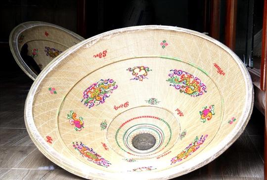 Độc đáo nón ngựa Phú Gia đất võ Bình Định - Ảnh 4.