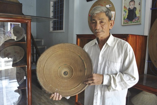 Độc đáo nón ngựa Phú Gia đất võ Bình Định - Ảnh 1.