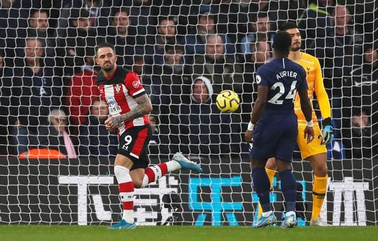 Mourinho tấu hài khi Tottenham thất bại vì VAR - Ảnh 4.