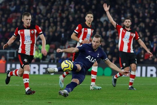 Mourinho tấu hài khi Tottenham thất bại vì VAR - Ảnh 6.
