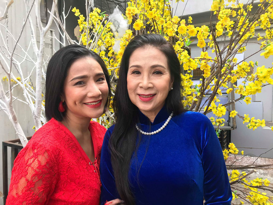 NSND Kim Cương soi chương trình đón năm mới của HTV - Ảnh 6.