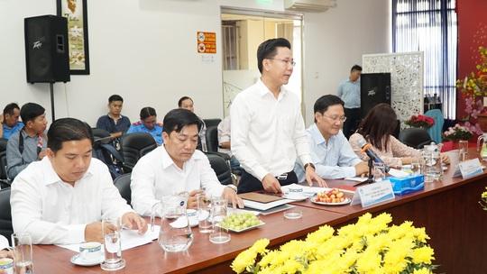 Bộ trưởng Bộ GTVT Nguyễn Văn Thể thăm, chúc Tết CBCNV Bến xe Miền Đông - Ảnh 3.