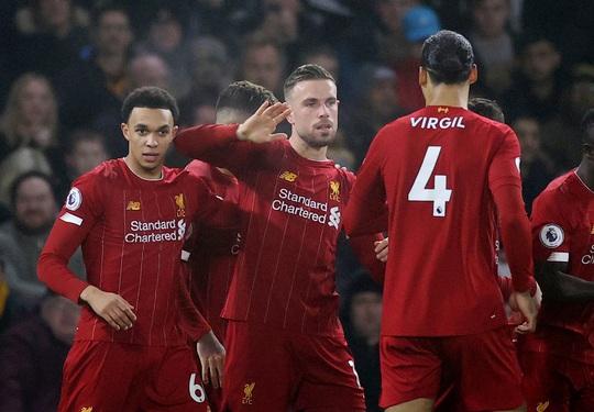 Thần tài Firmino tỏa sáng, Liverpool thắng nghẹt thở chủ nhà Wolverhampton - Ảnh 2.