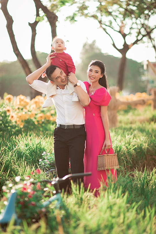 Nghệ sĩ Việt đón Tết đầm ấm bên gia đình - Ảnh 7.