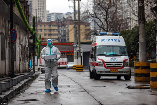Virus Vũ Hán: 106 người chết, Bắc Kinh có trường hợp tử vong đầu tiên - Ảnh 1.