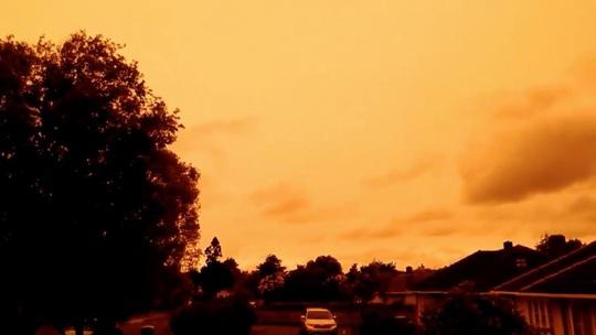 Những hình ảnh đáng kinh ngạc của cháy rừng Úc nhìn từ trên cao - Ảnh 6.