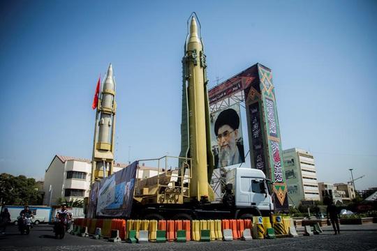 Đầu tư vũ khí khôn ngoan, Iran không lép vế siêu cường - Ảnh 1.
