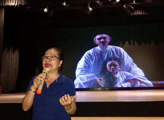 Nguyễn Thị Lộ Tú Trinh trải lòng với diễn viên trẻ - Ảnh 1.