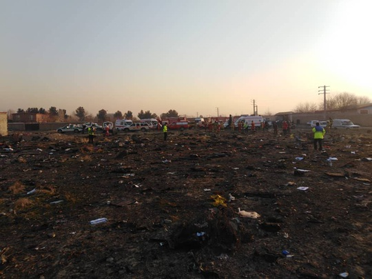 Rơi máy bay Boeing chở hơn 170 người ở Iran, không ai sống sót - Ảnh 6.