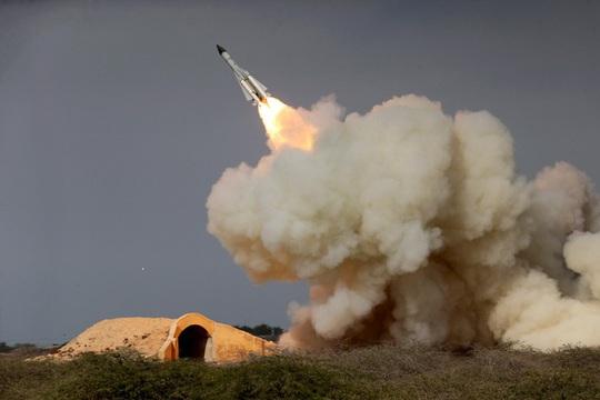 Iran nói Mỹ thiệt hại nặng nhưng lực lượng Mỹ tuần tra bình thường - Ảnh 1.