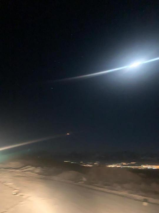 Loạt hình ảnh Iran nã tên lửa trả thù Mỹ lan truyền trên mạng - Ảnh 3.