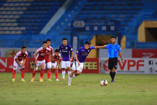 Quang Hải xuất sắc, Hà Nội FC lại hạ CLB TP HCM - Ảnh 1.