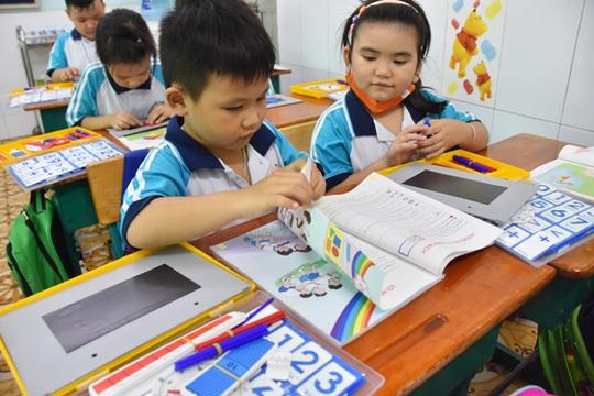 Sách giáo khoa lớp 1 nhiều sạn: Giáo viên nên làm chủ bài giảng - Ảnh 1.