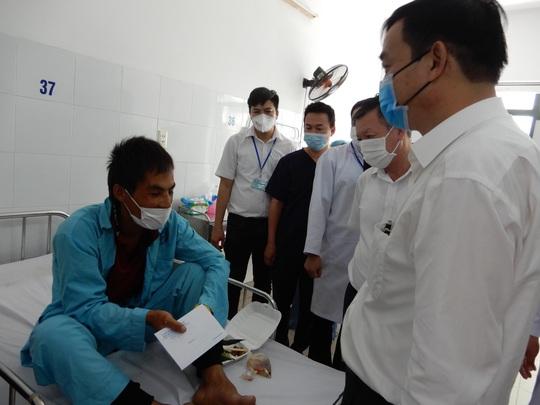 Vụ tai nạn kinh hoàng ở đường tránh Nam Hải Vân: Do tài xế xe khách vượt ẩu - Ảnh 1.