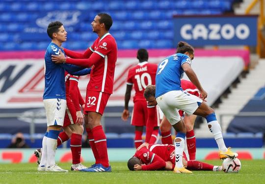 Liverpool sốc: Van Dijk chấn thương cực nặng, nghỉ thi đấu hết mùa - Ảnh 6.