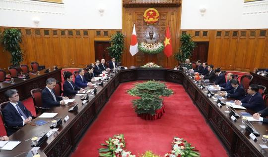 Thủ tướng Nguyễn Xuân Phúc chủ trì lễ đón Thủ tướng Nhật Bản - Ảnh 11.