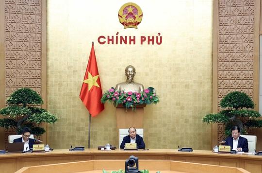Thủ tướng Nguyễn Xuân Phúc: Không được để xảy ra thảm họa kép - Ảnh 1.