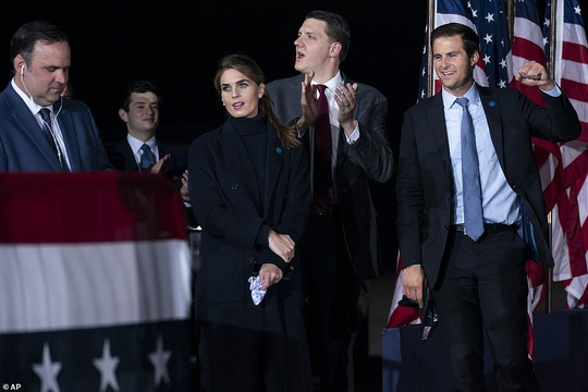 NÓNG: Tổng thống Donald Trump và vợ mắc Covid-19 - Ảnh 6.