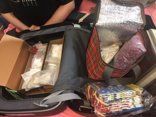 Công an TP HCM bắt khẩn cấp 10 người trong đường dây ma túy khủng - Ảnh 1.