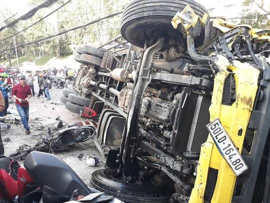 Xe tải chở bia trôi tự do gây tai nạn náo loạn phố Đà Lạt - Ảnh 9.
