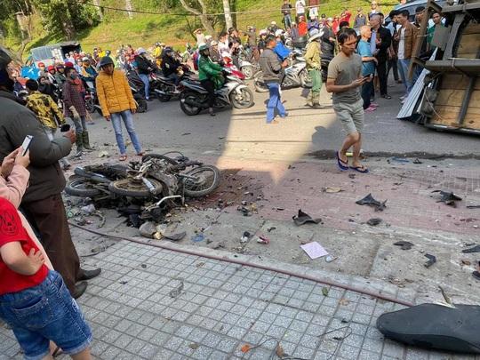 Xe tải chở bia trôi tự do gây tai nạn náo loạn phố Đà Lạt - Ảnh 8.