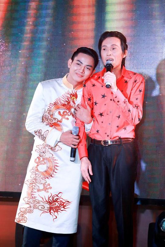 Hoài Lâm bất ngờ trở lại showbiz, bỏ luôn nghệ danh cha nuôi Hoài Linh đã đặt - Ảnh 3.