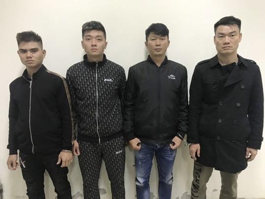"""Từ TP HCM ra Hà Nội bắt cóc con nợ, dọa """"cắt ngón tay, lưỡi, lấy tim"""" ép trả 1 tỉ đồng - Ảnh 1."""
