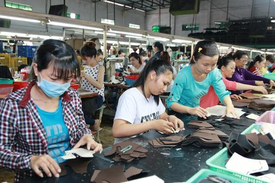 NÓNG: Nới điều kiện để doanh nghiệp vay trả lương ngừng việc cho người lao động - Ảnh 1.