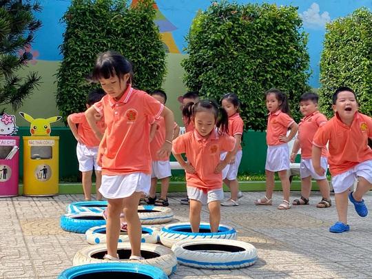 Sở GD-ĐT TP HCM đề xuất tiếp tục hỗ trợ giáo viên mầm non mới ra trường - Ảnh 1.