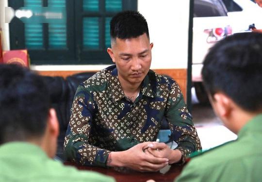 Huấn Hoa Hồng thừa nhận cắt ghép clip bản tin đi làm từ thiện lũ lụt miền Trung của VTV - Ảnh 1.