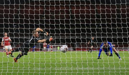 Siêu dự bị Vardy lập công cho Leicester, Arsenal thua đau ở Emirates - Ảnh 5.