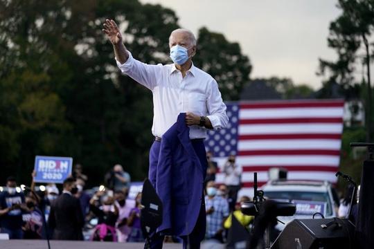 Bầu cử Mỹ: Ông Biden nhận tin vui ở các bang chiến địa - Ảnh 1.