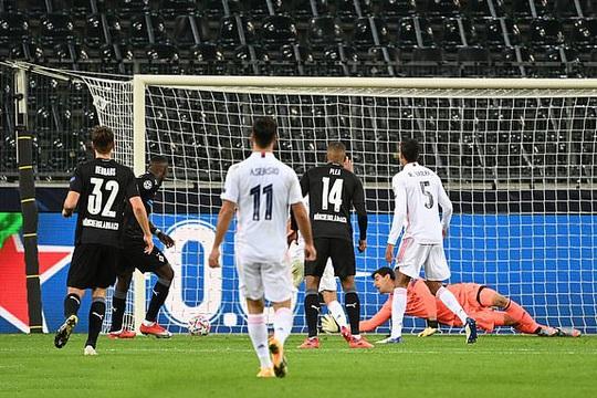 Ngược dòng nghẹt thở trên đất Đức, Real Madrid vẫn xếp chót bảng Champions League - Ảnh 5.