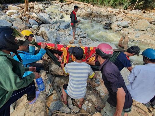 Hiện trường vụ sạt lở kinh hoàng tại Trà Leng - Quảng Nam - Ảnh 13.